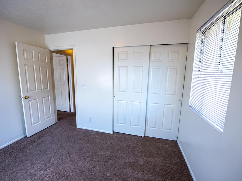 Bedroom | Mountain Ridge Manor