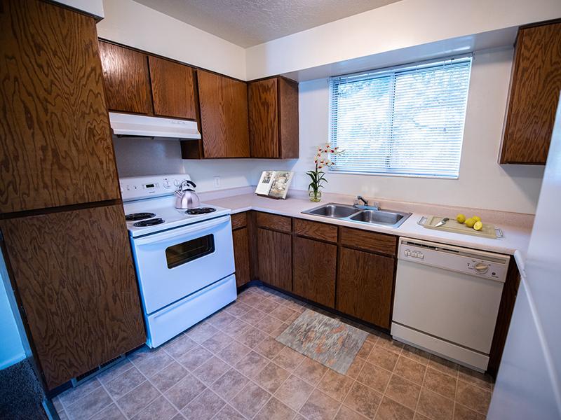 Kitchen | Mountain Ridge Manor