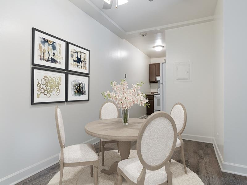 Model Dining Area | Wellington Creek Apartment's in Lisle, IL