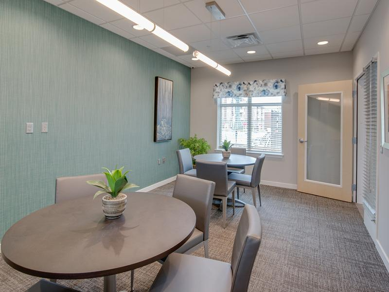 Leasing Office Apartments in Washington
