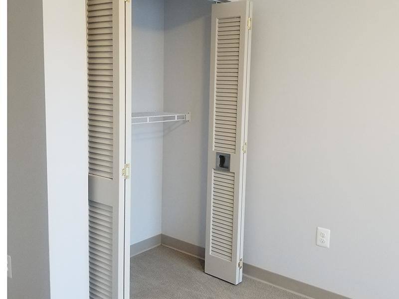 Closet | Park Tanglewood in Riverdale