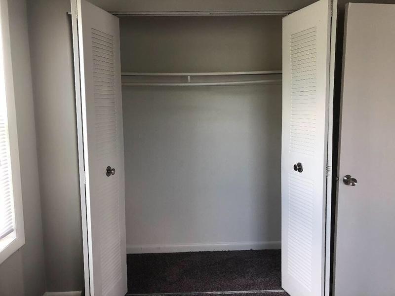 Closet - Mallard Green Townhomes