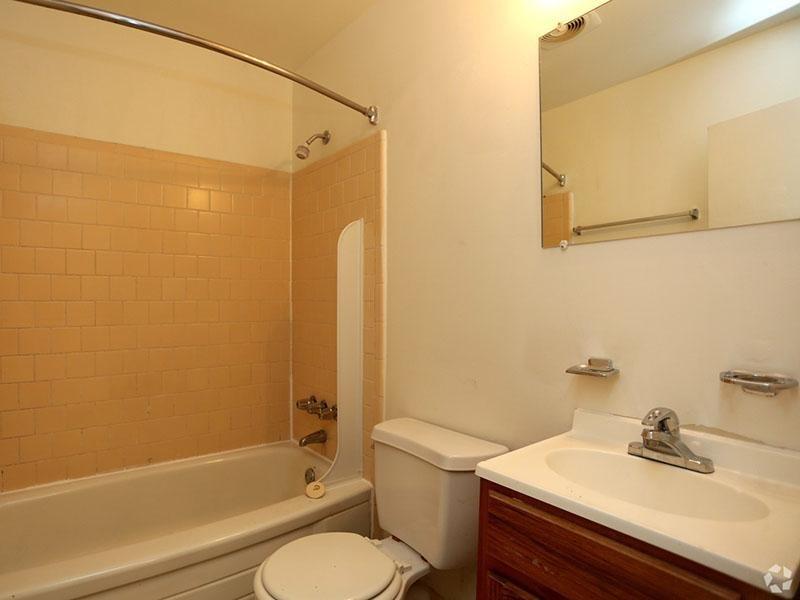 Bathroom - Mallard Greens - Richmond Va
