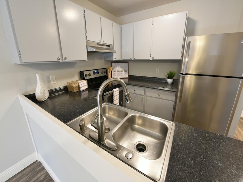 Sunset Terrace | Lahaina Apartments Kitchen Overview