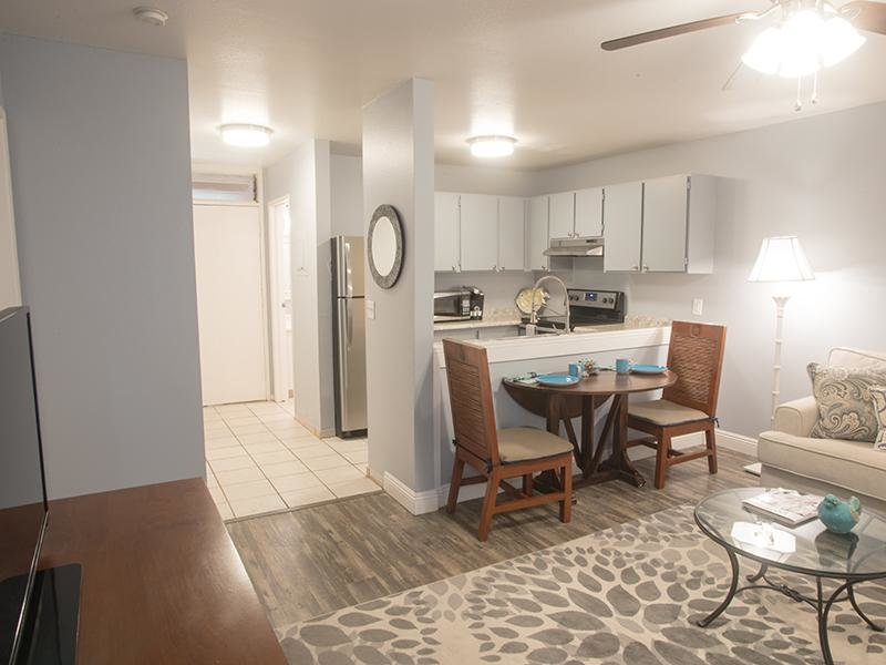 Front Room & Dining Room | Sunset Terrace Apartments in Lahaina, HI