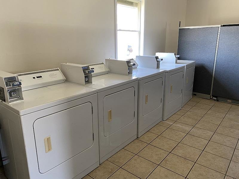 Laundry Facility | One Somerset Apartments