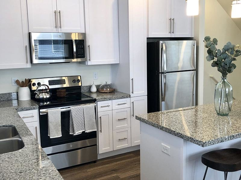 Stainless Steel Appliances | Aero Townhomes