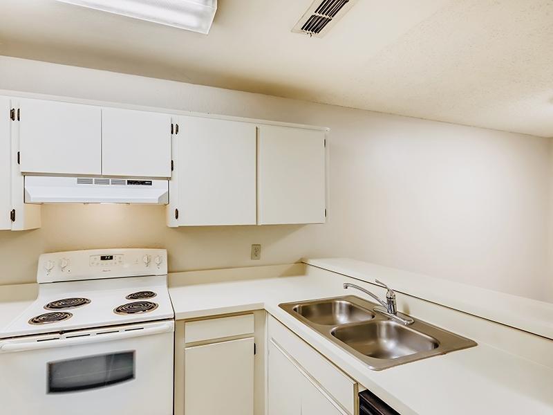 Kitchen   Bocage Apartments