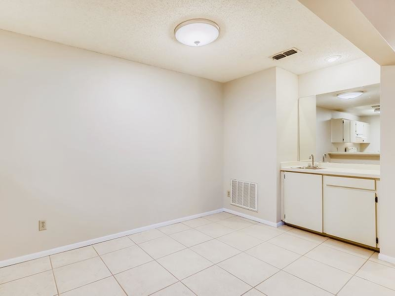 Dining Room   Bocage Apartments