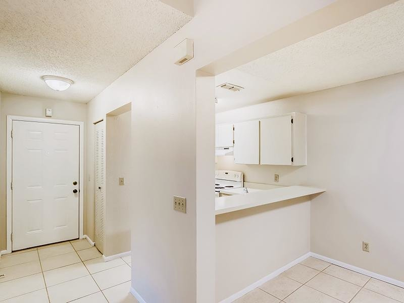 Entry   Bocage Apartments