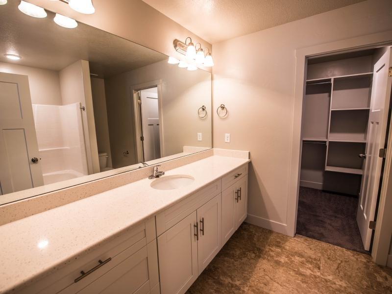 Bathroom | Greyhawk Townhomes