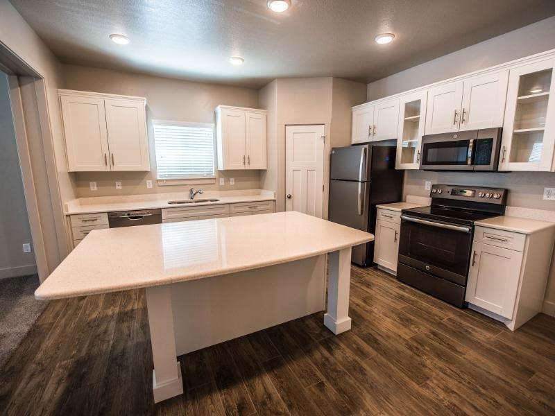 Kitchen | Greyhawk Townhomes