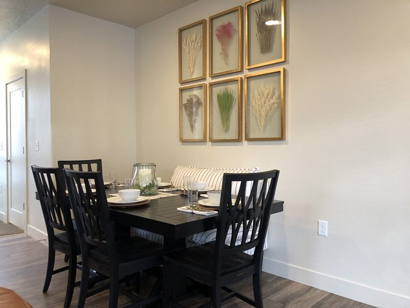 Dining Area | Majestic Townhomes