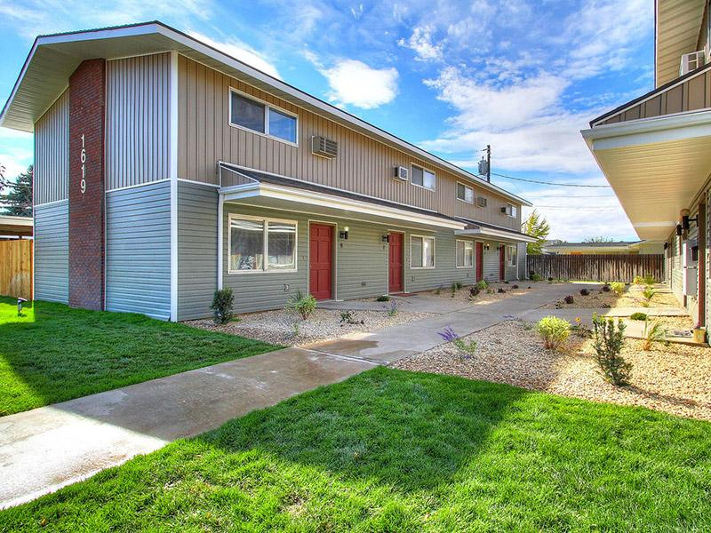 Exterior | Medallion Apts in Nampa, ID