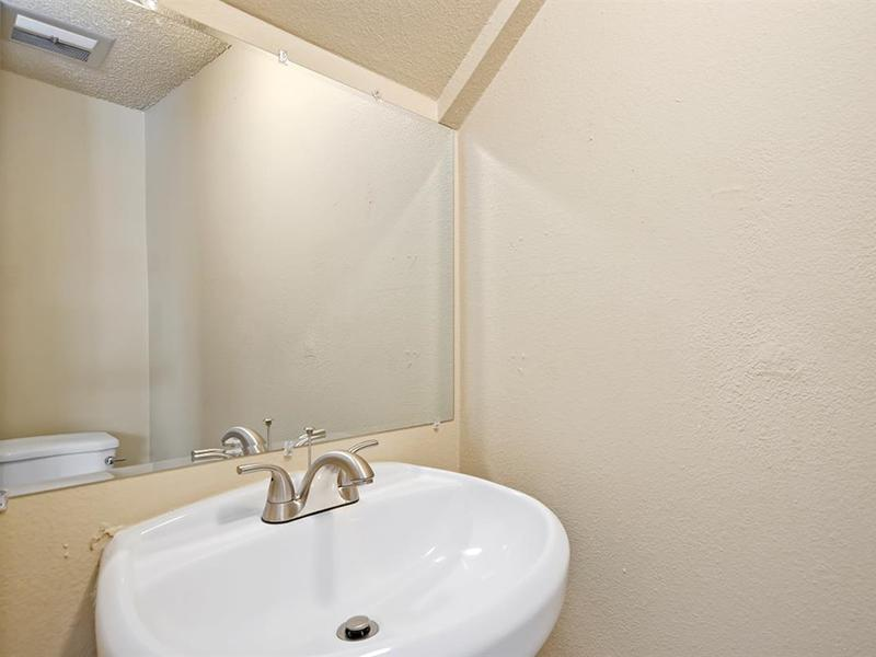 Bathroom | Medallion Apartments