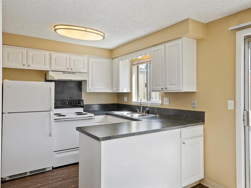 Fully Equipped Kitchen | Medallion Apartments