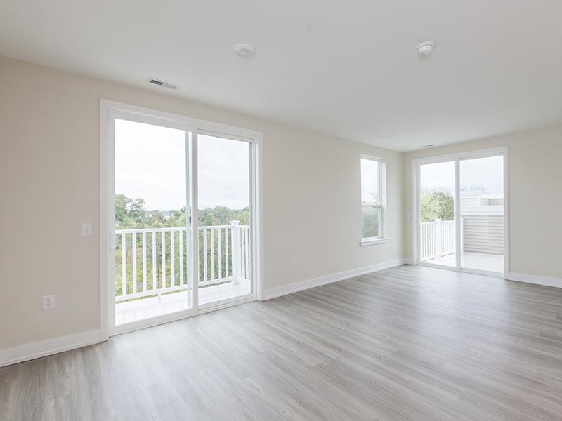 Living Room   Patios & Balcony   222 Park Place