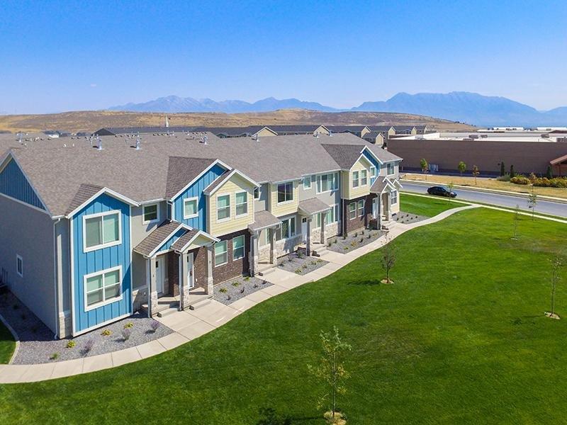 Exterior | Apartments in Eagle Mountain