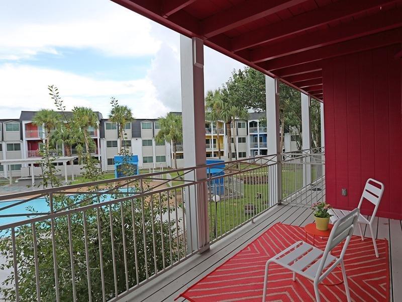 Balcony | Shamrock Sapphire Apartments