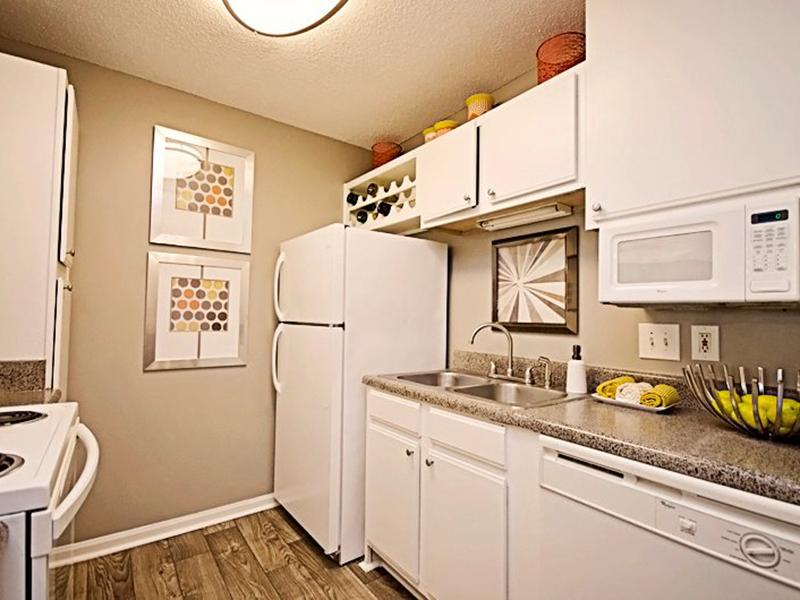 Kitchen | Shadow Ridge Apartments