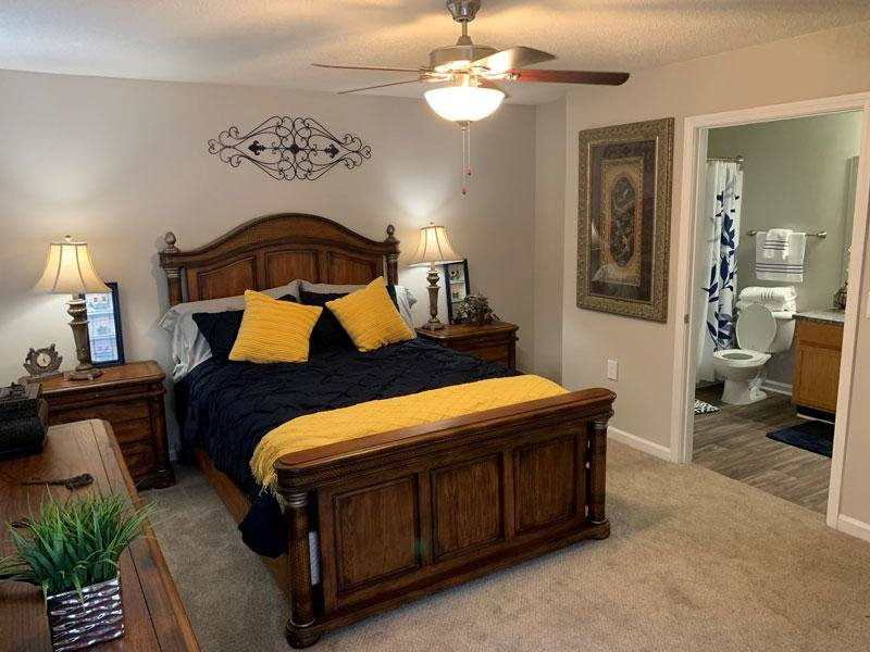 2 Bed 2 Bath Deluxe Apartments Bedroom | Apartments in Lithonia GA