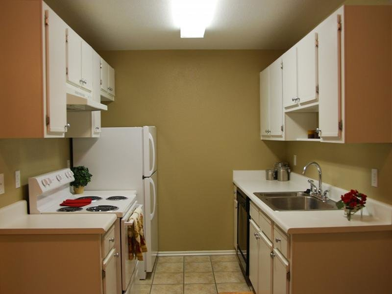 Fully Equipped Kitchen | North Pointe Apartments