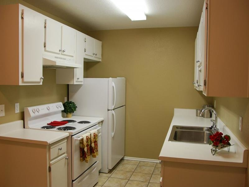 Kitchen | North Pointe Apartments