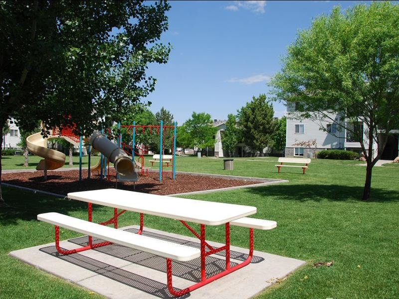 Picnic Area | North Pointe Apartments