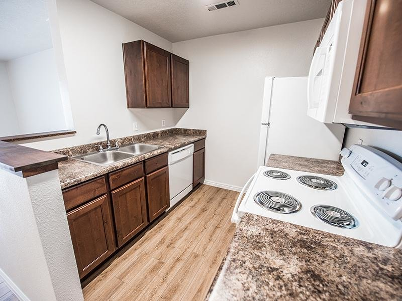 Fully Equipped Kitchen | Canyon Pointe Apartments