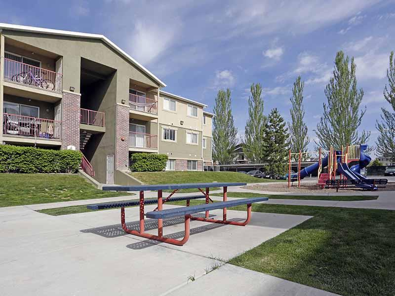 Picnic Area | Bridger Pointe Apartments