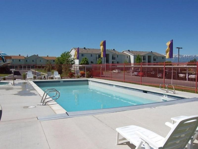 Swimming Pool | Bridger Pointe Apartments