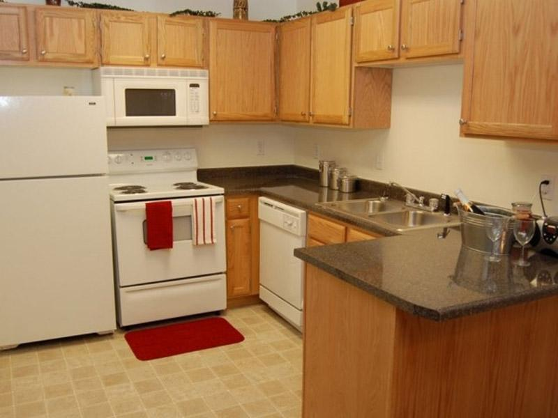 Kitchen | Bridger Pointe Apartments