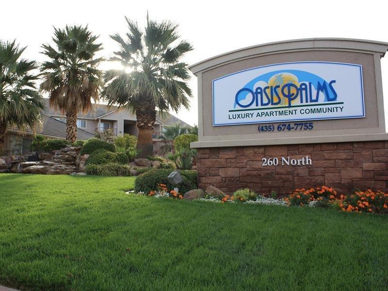 Exterior | Oasis Palms