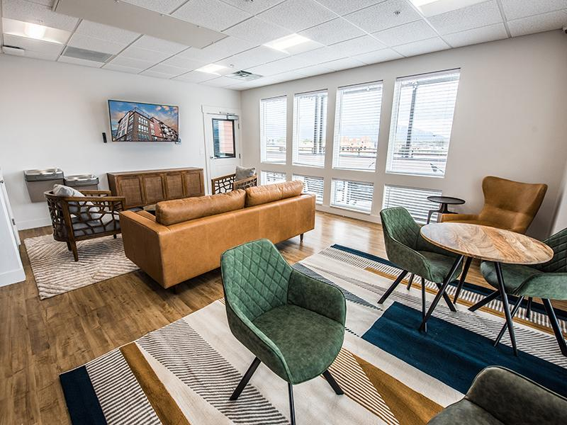 Clubhouse Interior | 2100 Apartments