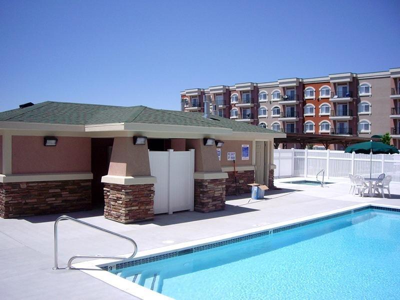 Pool | Village on Main Street Senior Apts in Bountiful, UT