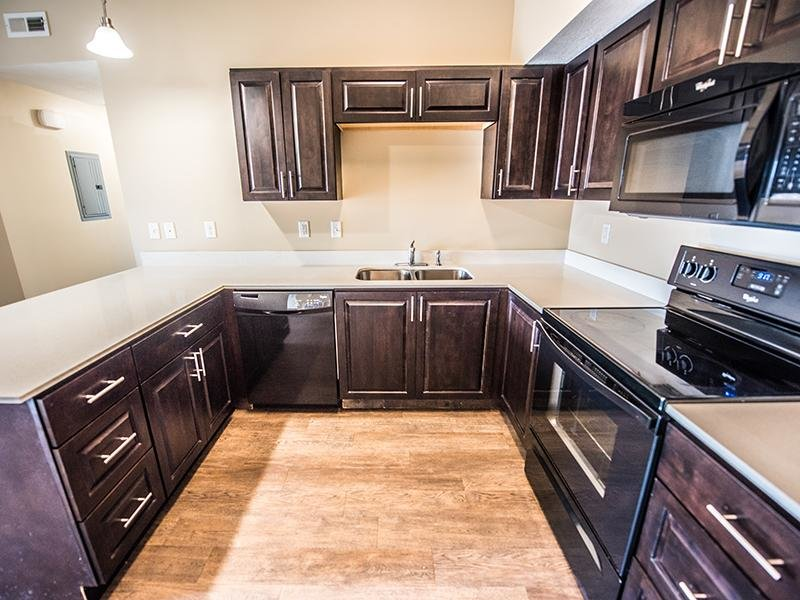Black Appliances | The Cove at Overlake