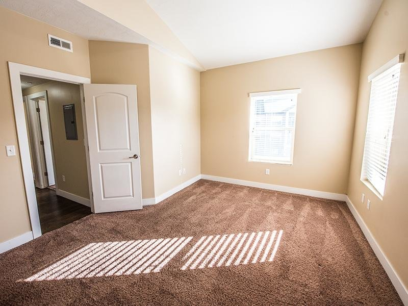 The Cove at Overlake Apartments | Room