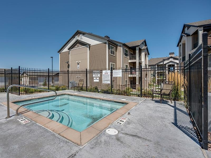 Swimming Pool | The Cove at Overlake