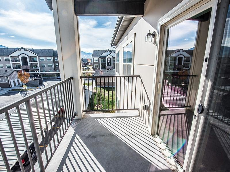 Balcony | The Cove at Overlake