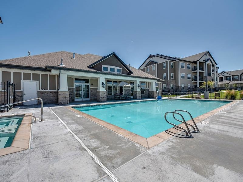 Pool | The Cove at Overlake