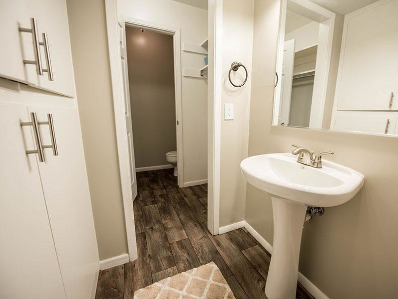 Full Bathroom View | Miller Estates Apartments