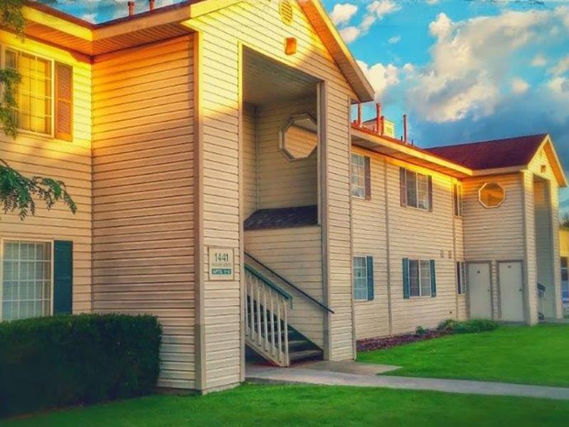 Exterior | Palisades Park Apartments