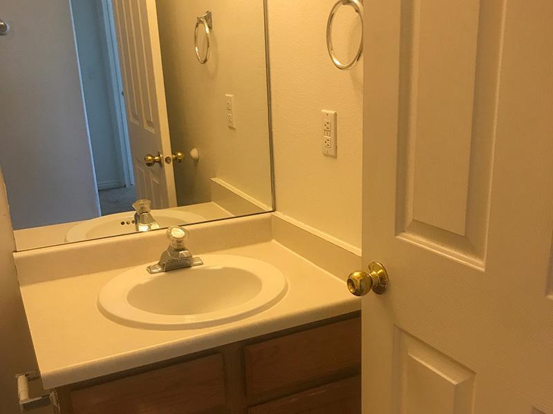 Bathroom - Apartments - Grantsville, UT