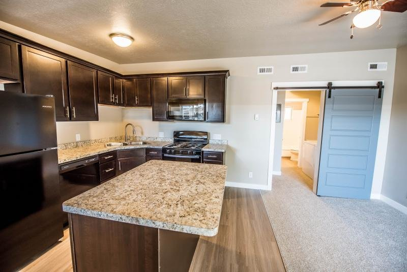 Kitchen | The Linq Apartments in Salt Lake City