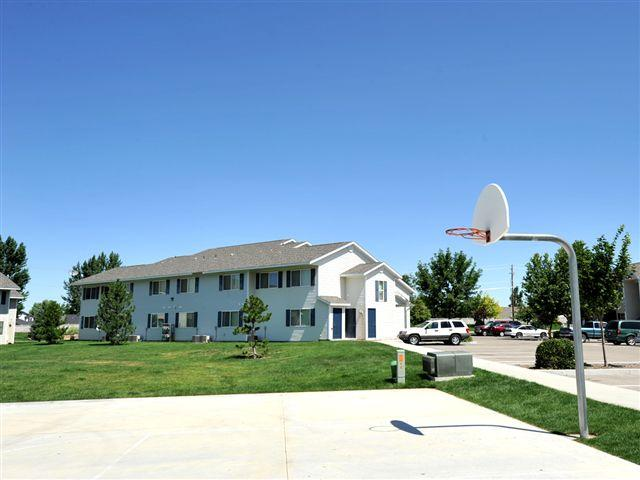 Basketball Court | Courtyard at Ridgecrest