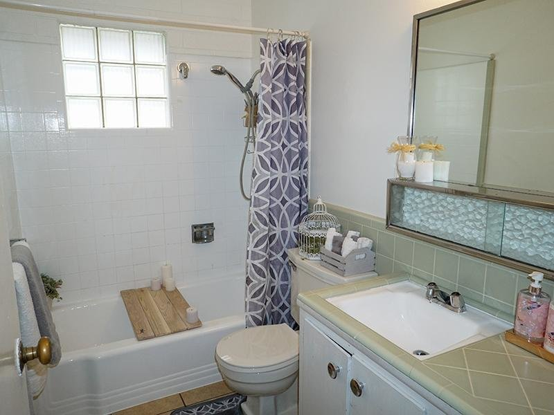 Bathroom | Highland Terrace