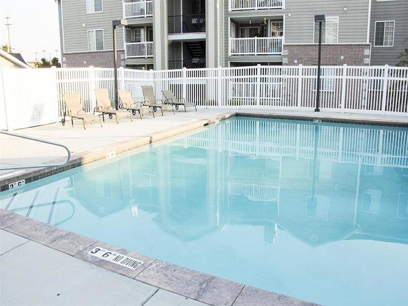 Pool | Parkgate Apartment