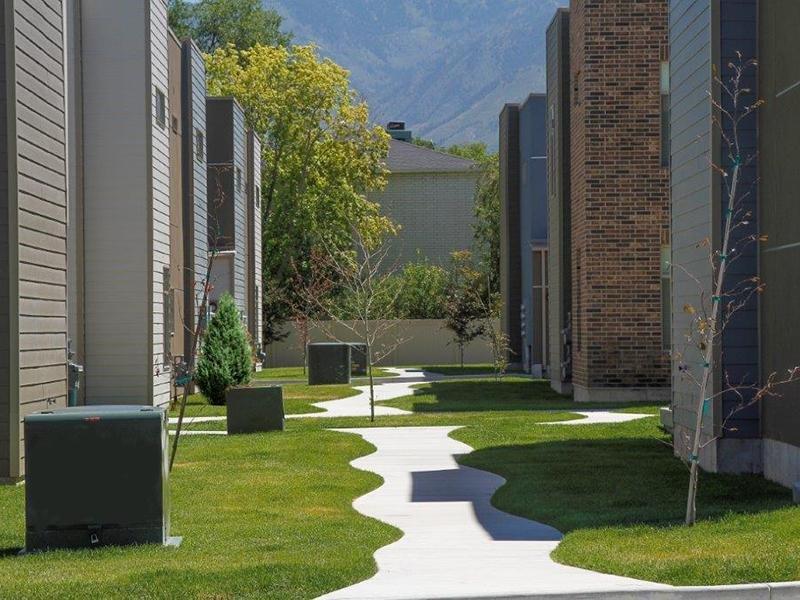 Walking Paths | Madrona Apartments