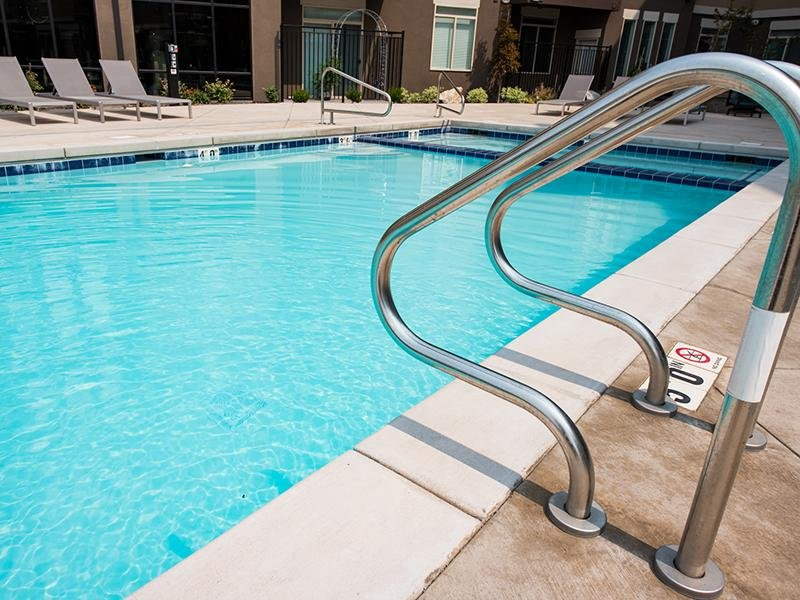 Swimming pool | Apartments for rent in Clearfield,