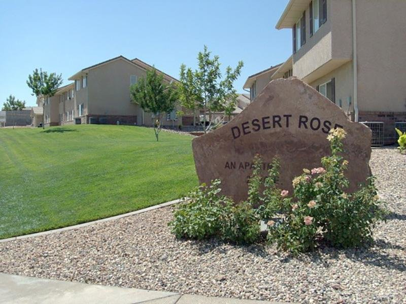 Welcome Sign | Desert Rose Apartments